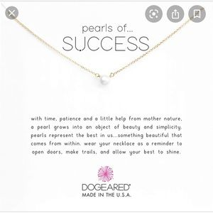 NWOT Dogeared pearls of success gold necklace